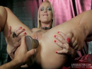Be Kathia Nobili's sex slave